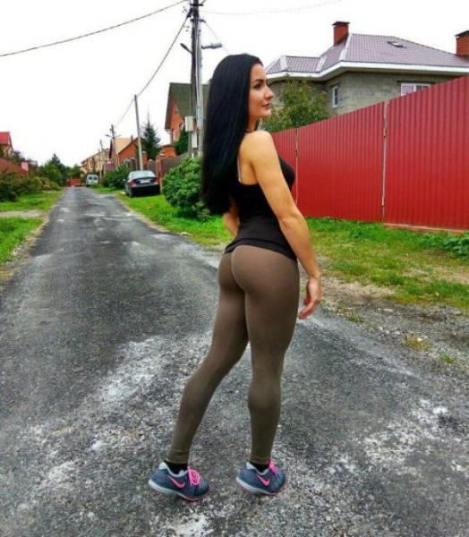 yoga pants 39 - סקסיות במכנסי ספורט (47 התמונות)