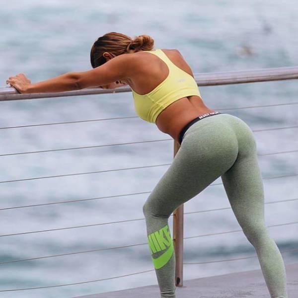 yoga pants 42 - סקסיות במכנסי ספורט (47 התמונות)