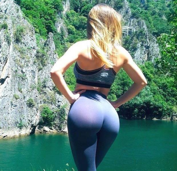 yoga pants 43 - סקסיות במכנסי ספורט (47 התמונות)