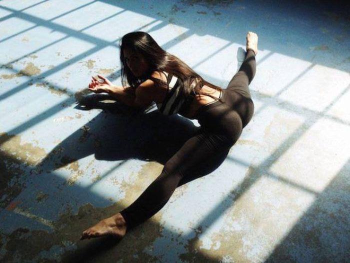 yoga pants 44 - סקסיות במכנסי ספורט (47 התמונות)