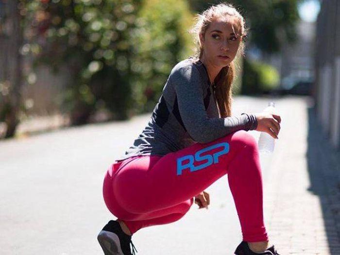 yoga pants 47 - סקסיות במכנסי ספורט (47 התמונות)