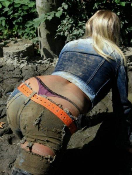These Hot Babes Covered In Dirt Will Keep You Amused For A While (64 pics)