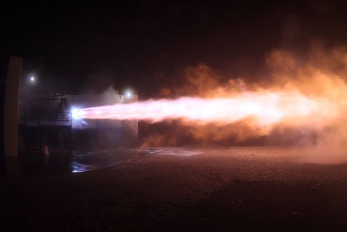 Elon Musk Unveils Shuttle That Will Take People To Mars In 80 Days (5 pics)