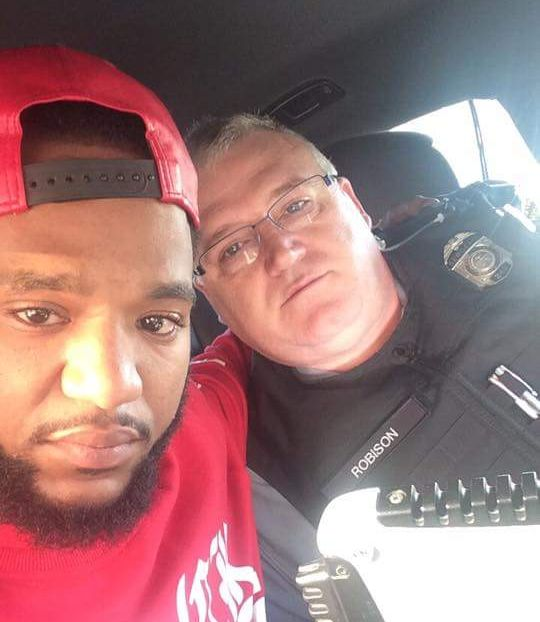 Cop Drives Grieving Man 100 Miles To Be With His Family (2 pics)