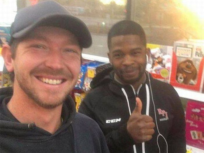 This Small Act Of Kindness Made A Very Big Difference (4 pics)