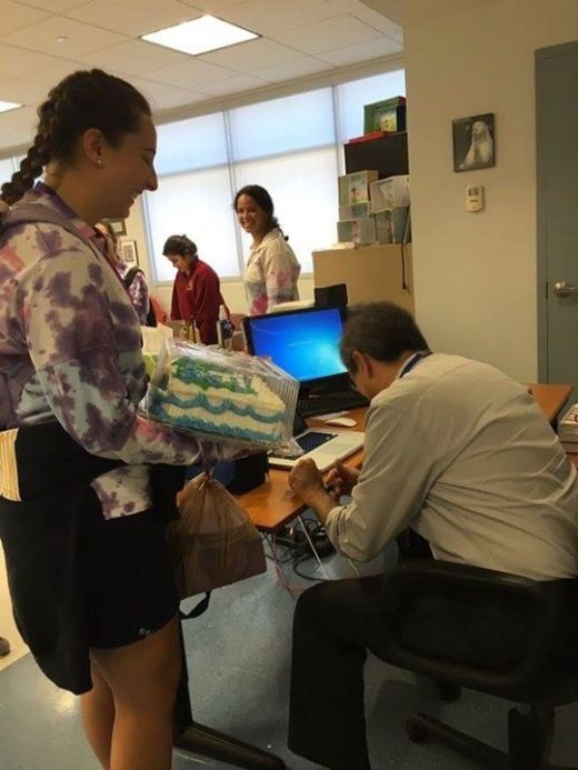 Teacher Cracks Up When He Sees Student's Surprise Gift (4 pics)