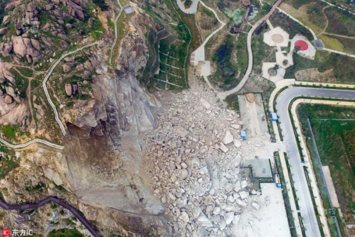 Giant Rockslide Destroys Park Just Days Before Opening (4 pics)