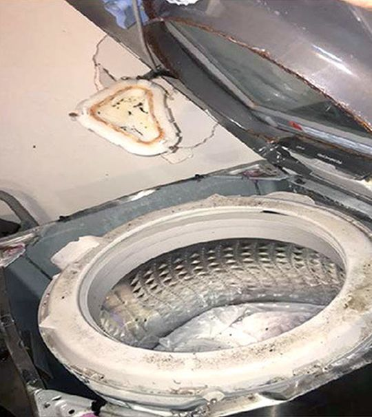 Regulators Warn Samsung Washing Machine Owners Of Possible Explosions (2 pics)