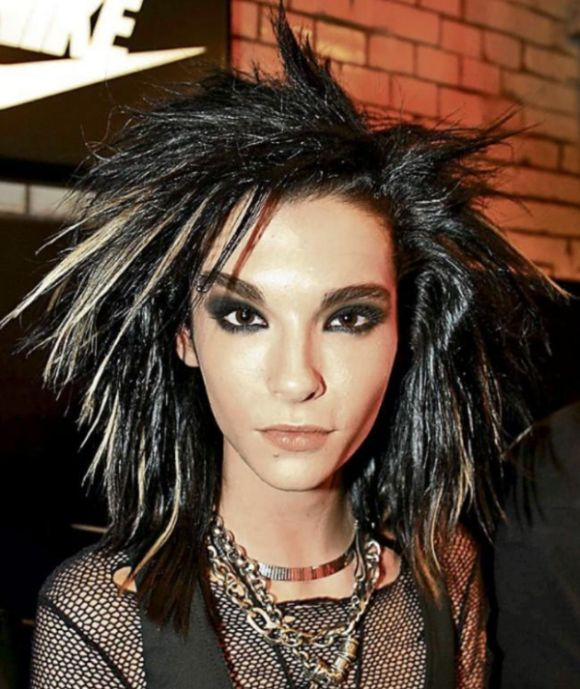 Bill Kaulitz Shows Off His Colorful New Hairstyle (3 pics)