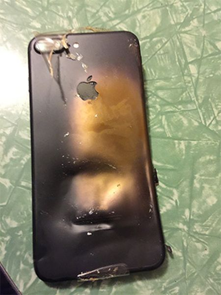 iPhone 7 Explodes In The Box Upon Delivery (4 pics)