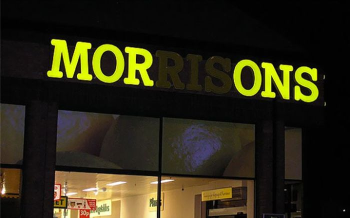 The Most Awkward Neon Sign Fails Ever (29 pics)