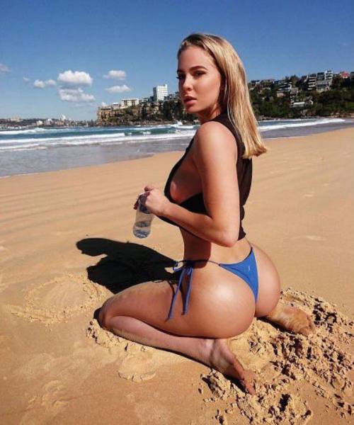 These Pretty Girls With Pretty Butts Are A Treat For The Eyes (58 pics)