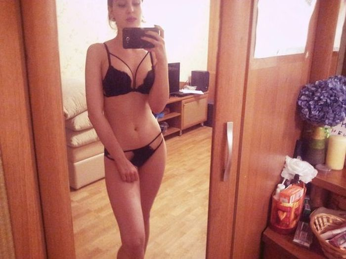 Gorgeous Babes Show Off Their Online Purchases With Sexy Selfies (40 pics)