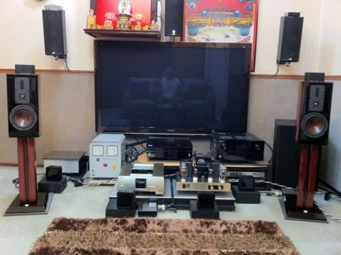 Audiophiles And Their Crazy Collections (18 pics)