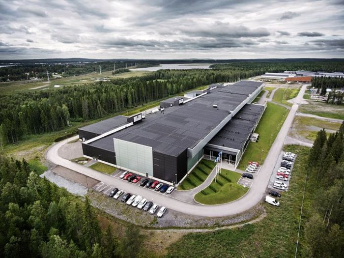 A Look Inside Facebook's Massive Data Center In Sweden (16 pics)