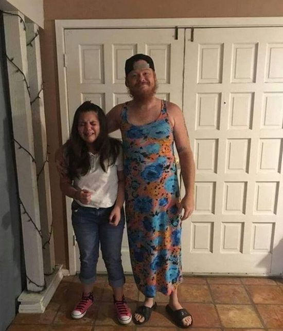 Man Finds Hilarious Way To Make Sure His Daughter Doesn't Skip School (2 pics)