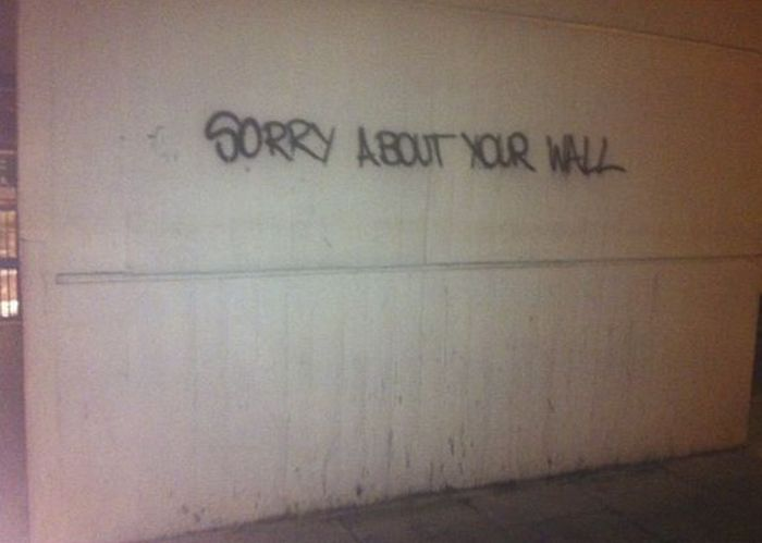 Silly Grafitti Art That You Will Only See In Canada (23 pics)