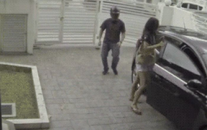Dumb Criminals Who Got Big A Surprise While Trying To Steal (19 gifs)