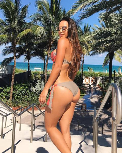 Beautiful Bikini Babes To Remind Us How Much Summer Will Be Missed (66 pics)