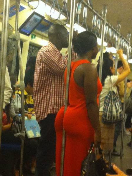 Sexy Girls Putting Their Bust And Butts To Good Use (30 pics)