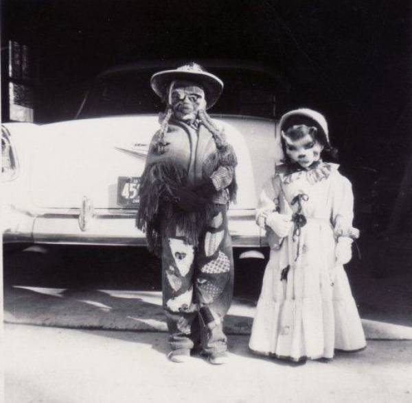 Creepy Halloween Costumes From Back In The Day That Will Haunt Your Dreams (34 pics)