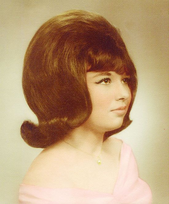 Women Used To Wear Some Crazy Hairstyles In The 1960s (17 pics)