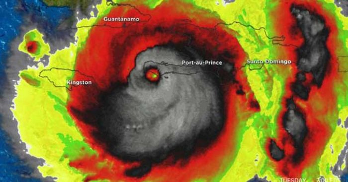 A Deeper Look At The Size And Scope Of Hurricane Matthew (6 pics)