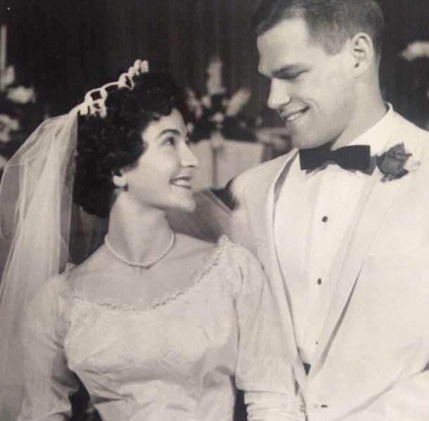 Photo Of A Man From 1961 Eerily Looks Like Matt Damon (2 pics)