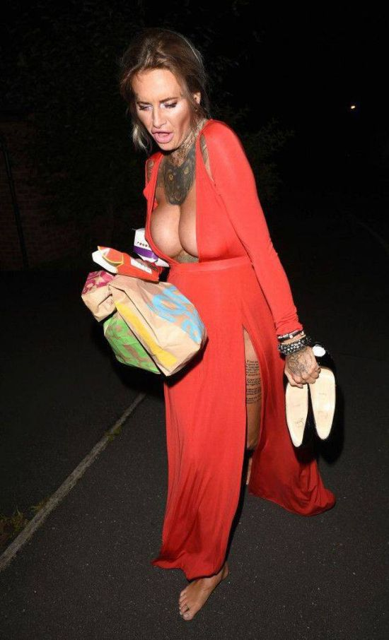 Reality Show Star Jemma Lucy Flaunts Her Cleavage In The Streets (8 pics)