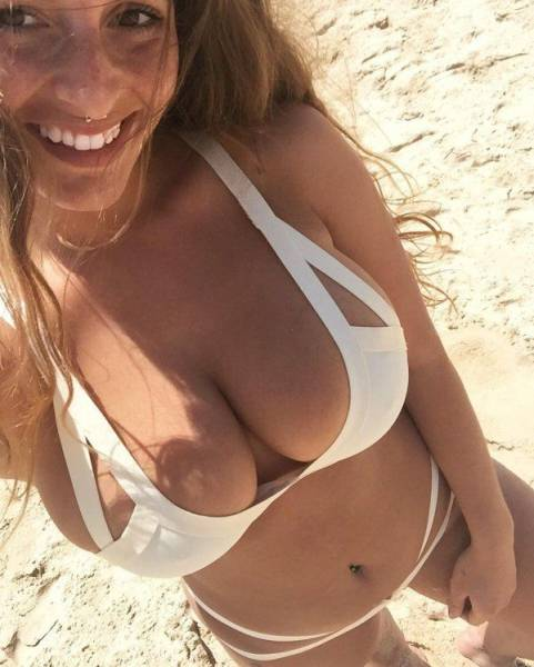 Beautiful Busty Girls That Are Guaranteed To Drop Your Jaw (55 pics)