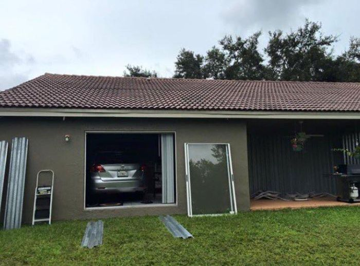 Car Rides Out Hurricane Matthew In The Living Room (4 pics)