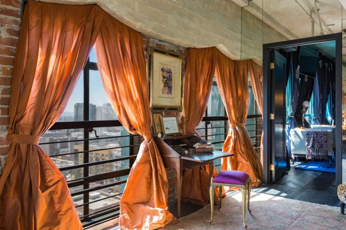 Johnny Depp's Los Angeles Penthouse Is Now On The Market (14 pics)