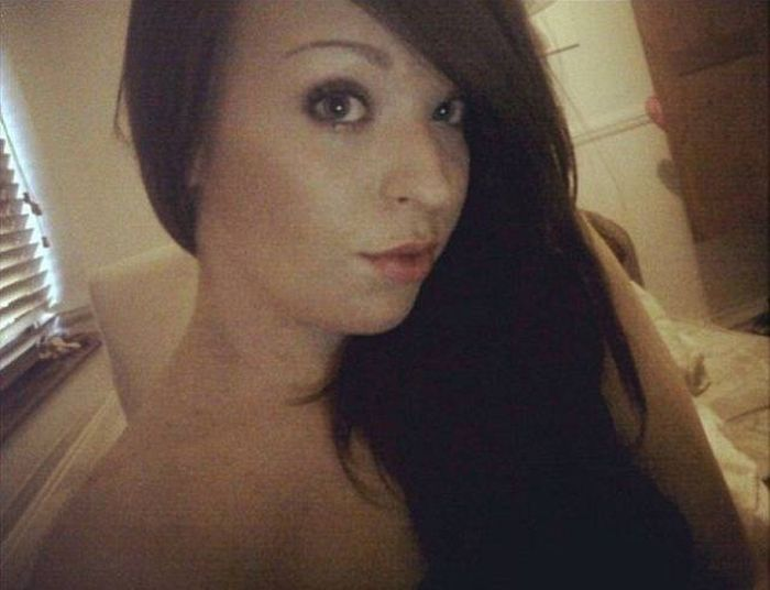 This British Webcam Model Spent $34,000 To Change Her Look (20 pics)