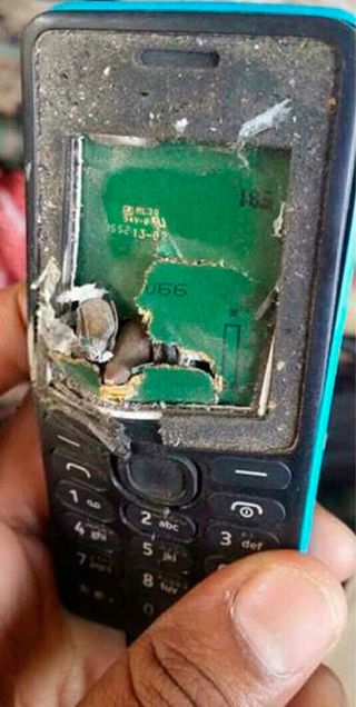 Proof That Nokia Phones Save Lives (2 pics)
