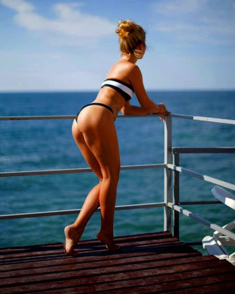 Hot Babes With Hot Butts That Will Mesmerize You (49 pics)