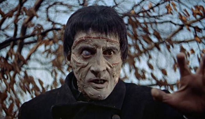 Famous Hollywood Actors Who Started Out In Horror Movies (17 pics)