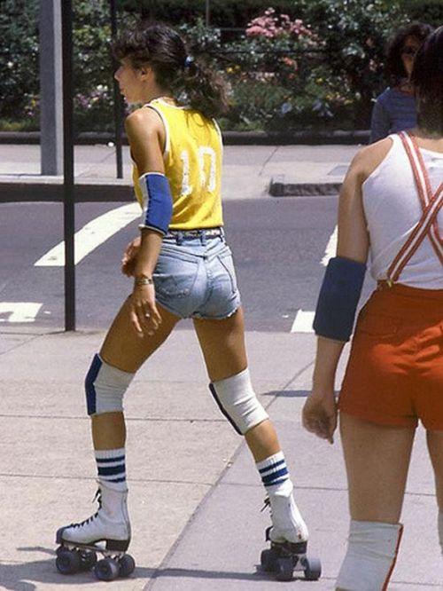 Vintage Shots Of Beautiful Girls In Blue Denim Shorts (22 pics)