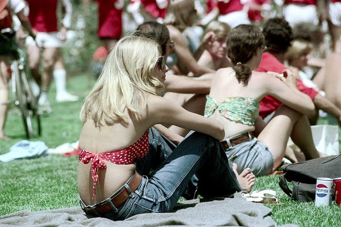 Vintage Shots Of Beautiful Girls In Blue Denim Shorts (22 pics)