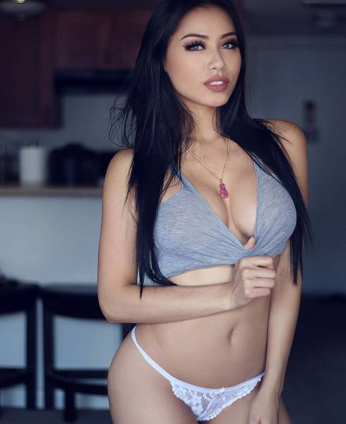 Prepare To Be Stunned By These Sexy Asian Girls (51 pics)