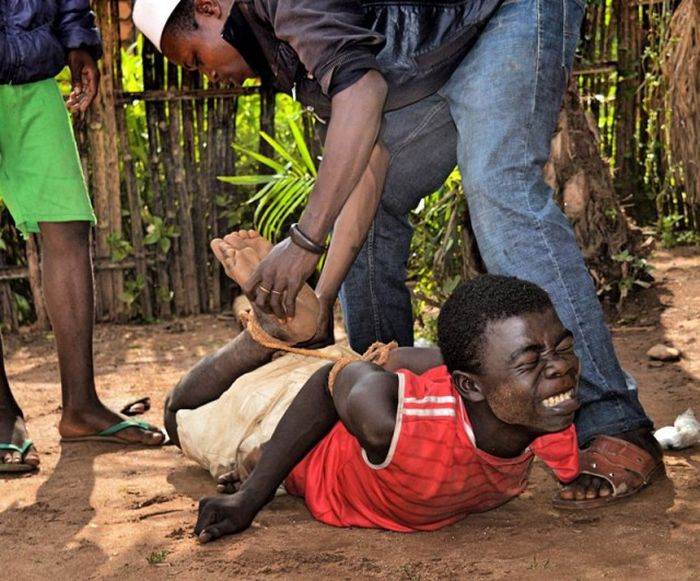 What Life Is Like In The Central African Republic (21 pics)