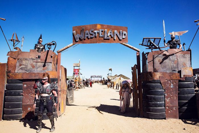 Wasteland Is So Wild That It Makes Burning Man Look Tame (15 pics)