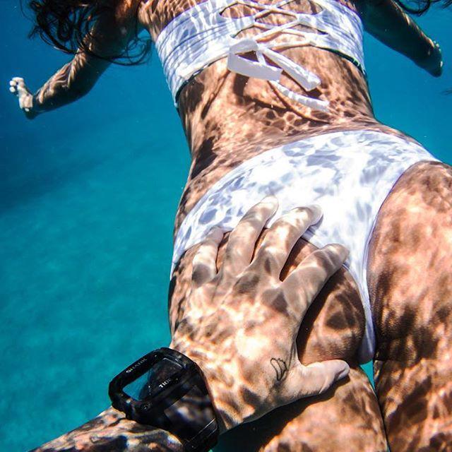 Meet Rava Ray, The Sexy Queen Of The Stingrays (32 pics)