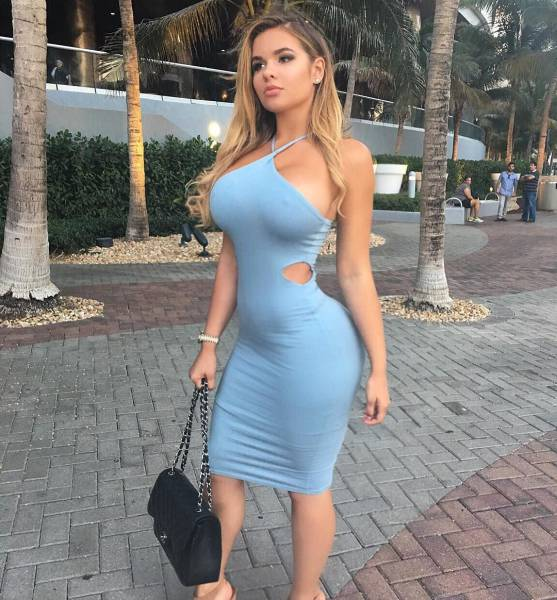 The Babes In Tight Dresses Are Here To Blow Your Mind (51 pics)
