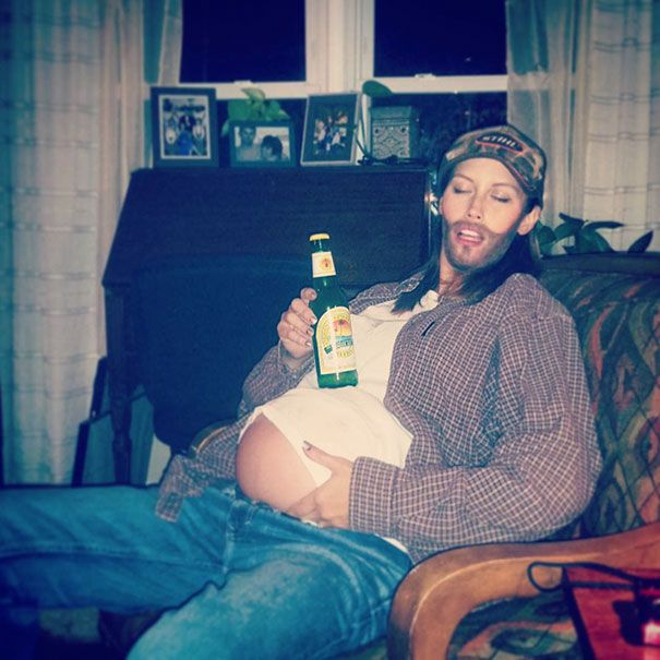 Pregnant Women Who Rocked Awesome Costumes For Halloween (32 pics)