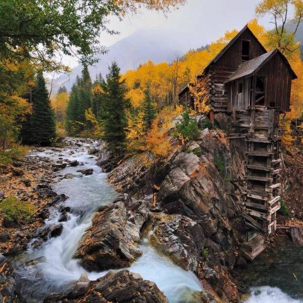 Breathtaking Photos Of Beautiful Abandoned Places (22 pics)