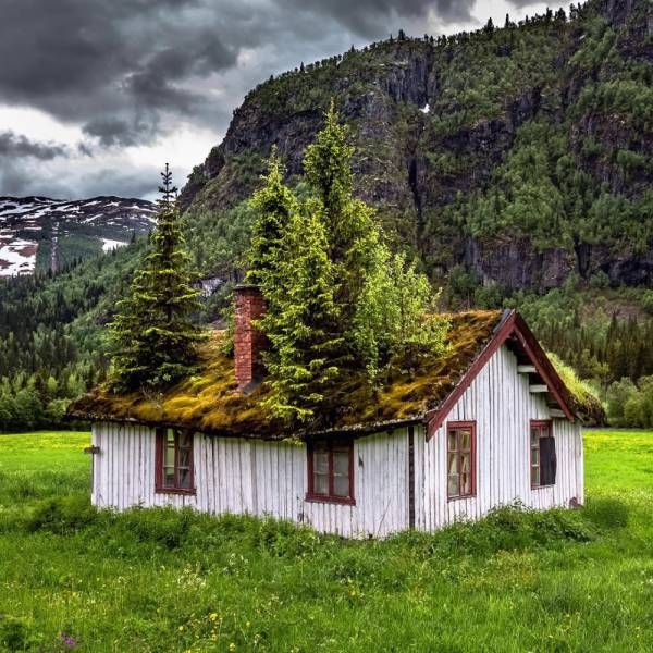 Breathtaking Photos Of Beautiful Abandoned Places (22 Pics