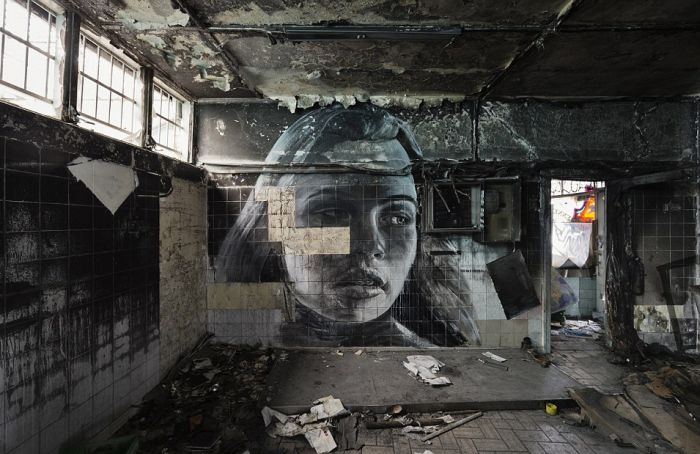Artist Shows Off The Fleeting Nature Of Beauty With Crumbling Portraits (11 pics)