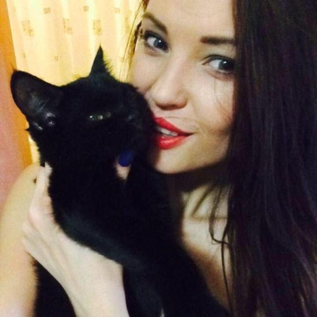 Russian Angelina Jolie (11 pics)