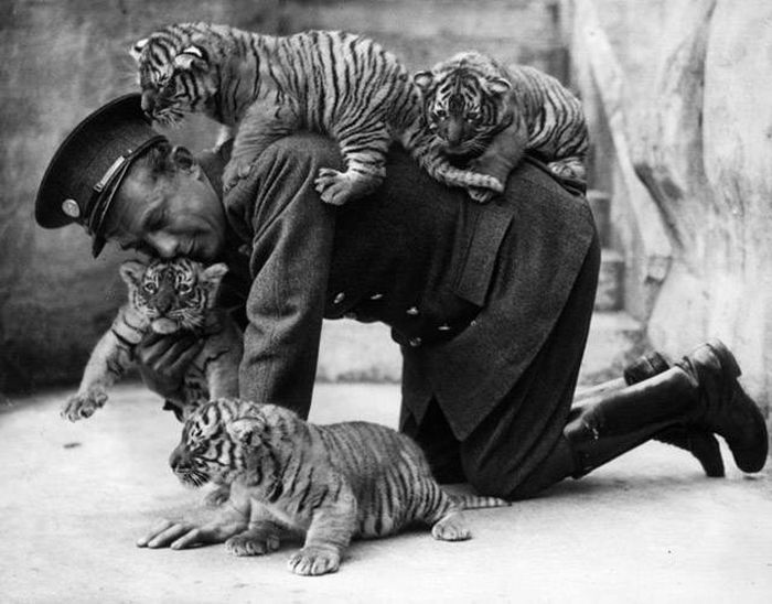 Fascinating Historical Photos That Will Grab Your Attention And Keep It (39 pics)