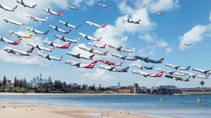 Unbelievable Air Traffic Photos From All Around The World (10 pics)